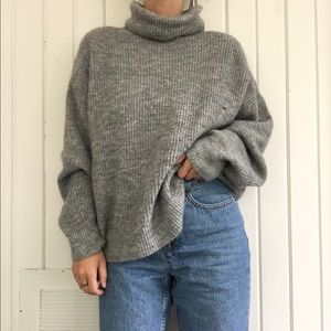 Gray knit turtle neck